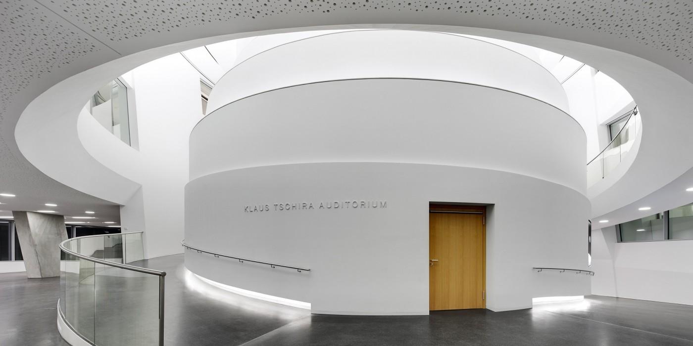 http://www.arpalight.nl/wp-content/uploads/2015/10/Kunstlicht-in-architectuur-4-e1445584711219-1400x700.jpg